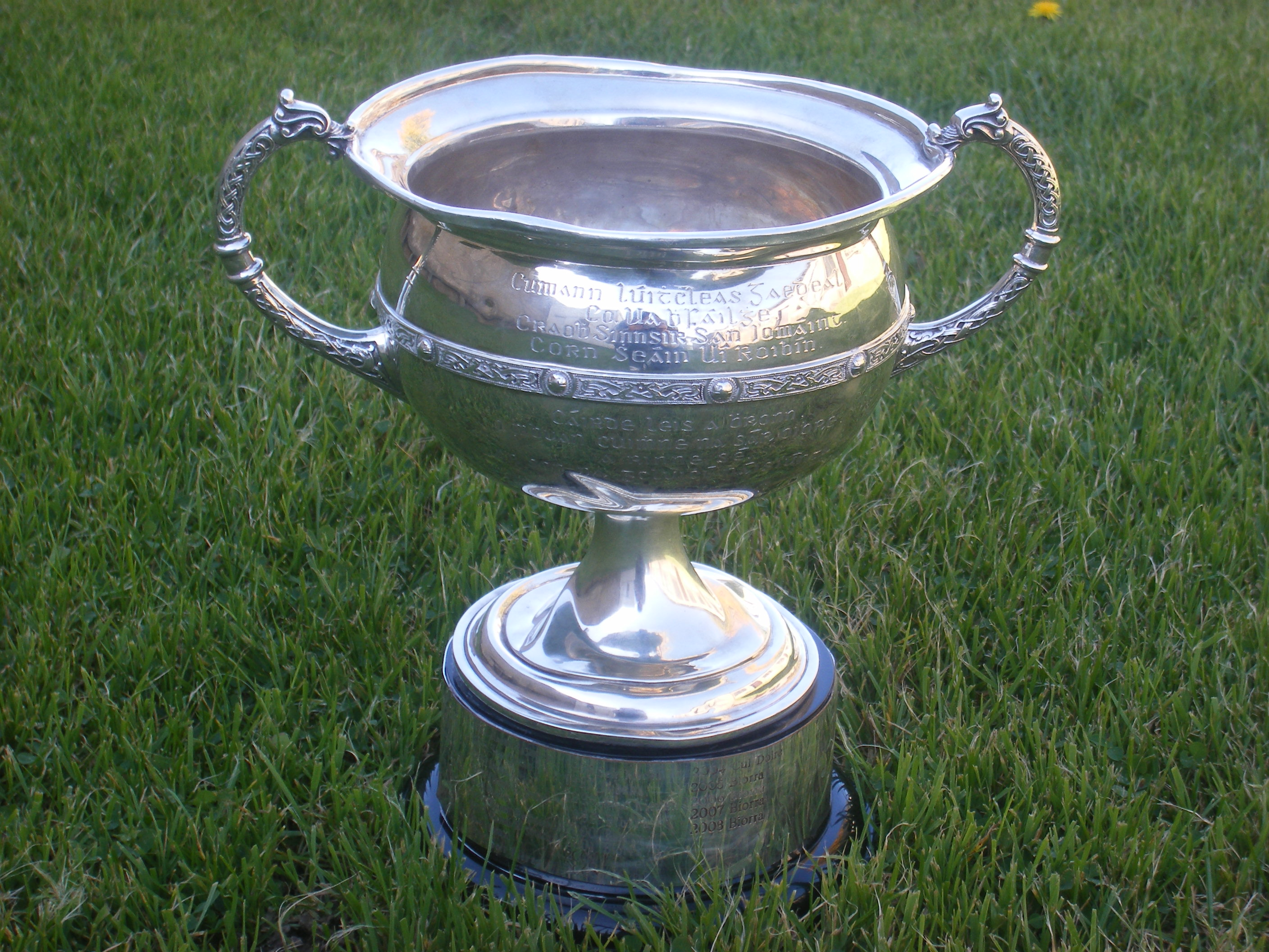 Coolderry and Kilcormac/Killoughey battle for Robbins Cup on Sunday